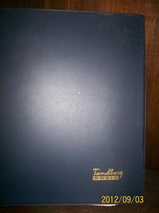 663. Såld. Tandberg Radio, servicebok. År: ca 1971. Tillv.land: Norge-Sverige. Mörkblå pärm. Fotonr: 100_9661