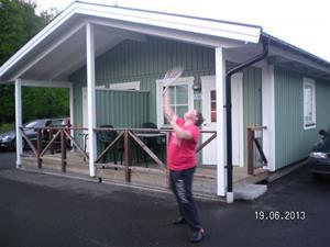 SANY0065. Emil tränar tennis. Emil och Hampus hittade kompisar att vara med. 2013-06-19. 22:13.