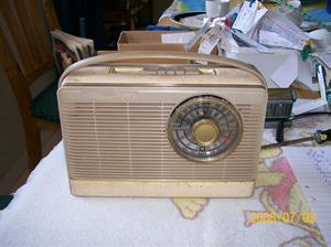 139. Transistorradio. Typ: SA 7725 T/ooE. Nummer: WD 11395. Fotonr: 100_1259. Inlagt på webben 2014 06 05.