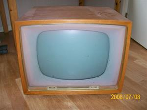 213. Centrum, television. Typ: 812 TV. Nr: 12912. Tillv.år: 1958. Fotonr: 100_1357