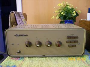 323. AGA, stereoförstärkare. Typ: 3197 T. Nr: 890662, märkt på en spole inuti. Fotonr: 100_3682
