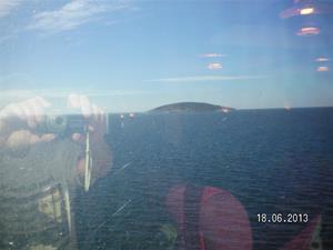 SANY0013.  Blå jungfrun, del 2. Dock syntes inga Påskkärringar, utom dom på båten förstås. Kanske lite sent på säsongen.