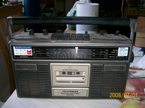 079. Telefunken radiokassettebandspelare. Typ: Bajazzo CR 7100 Stereo. Nummer: 301456805.  Fotonr: 100_1160. Inlagt på webben 2014 06 03.