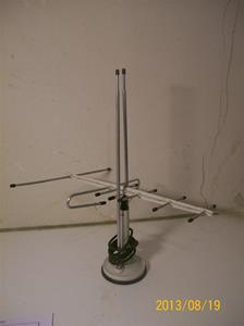 717. Emme esse. Antenn för bordsplacering. Tillv: Italy. 101_0330