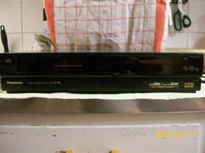 444. Panasonic, VHS-Recorder. Typ: NV-G40 EO. Nr: G8KK0 1929. Fotonr: 100_7352