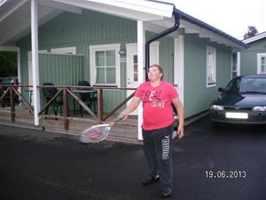 SANY0064. Emil tränar tennis. Emil och Hampus hittade kompisar att vara med. 2013-06-19. 22:13.