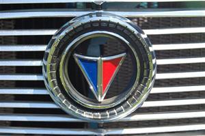 Plymouth Valiant Signet (1965) 6.
