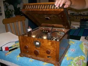 198. Såld. Stern&Stern/Concerton. Typ: V 30. Tillv.år: 1929. Märke under: Telefunken Marconi Licens 1. No. Fotonr: 100_1330