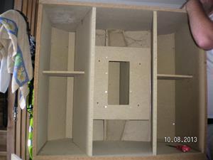 Nummer 705. Konhögtalarlådor. OBS att det är bara högtalare i ena lådan. I övrigt enligt bilder. Lägsta bud 500:- för båda. SANY0013.  Inlagt 2015 08 29.