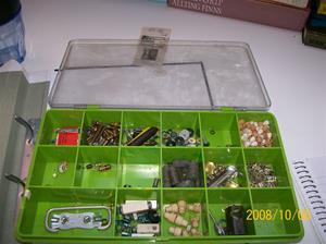 266. Reservdelar, grön plastlåda. Fotnr: 100_2263