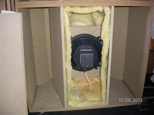705. Konlåda, baslåda. Med högtalare. SANY0012