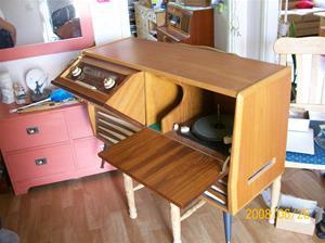 024. Centrum, radiogrammofon. Typ: Granada/Stereo. Tillverkningsår: 1965. Nummer? Fotonr: 100_1043