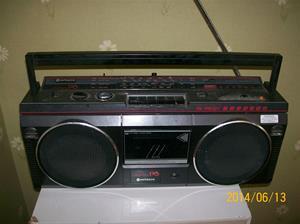877. Hitachi, stereokasettbandspelare. Typ: P 6. Nummer: TRK-P6E. Tillv.land: Singapore.  Fotonr: 101_0641, 2014 06 13.