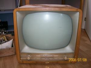 212. Graets, television. Typ: Burggraf. Nr: 431604. Fotonr: 100_1355
