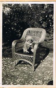 Sune i korgstolen 1944 001