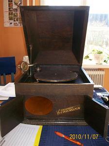 434. Ekophon, vevgrammofon. Typ: Cremona. Nummer på membran: 1876. Fotonr: 100_7183