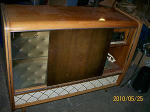 384. Blaupunkt, radiogrammofon med barskåp. Typ: Arkansas 4345. Nr: 2340 SUNK 652 122. Tillv.år 1958. Grammofon: Rex Perpetuun Elner. Fotonr: 100_5755