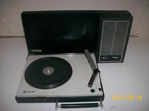 712. Philips 22 GF 110/33X. Nr: 0535983. Bärbar grammofon. 101_0319