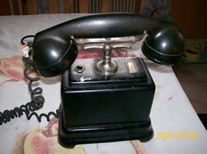 327. Telefon. Typ: Bordsmodell. Nr: 675025. Fotonr: 100_3678