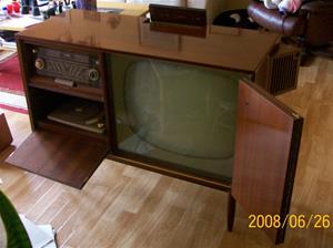 011. Conserton, Radio-Tv-Grammofon. Typ: TRC 0245V. Nummer: 348301. Tillverkningsår: 1960. Fotonr: 100_1020