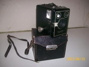 696. Kodak Six-20 Brownie C. Lådkamera. 101_0292