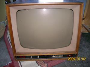 291. SABA, television. Typ: SABA Schauins land T 126-26 Wollautomatic. Nr: FTZ-PRÜF-Nr.Z 204. På vit lapp: Hauinsland 5-25. Fotonr: 100_3576