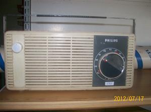 593. Philips, transistorradio. Typ: B2S 45 T. Nr: 360 495. Fotonr: 100_9351