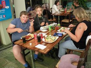 SANY0074. Vi åt faktiskt mat i Göteborg också. 20/6, 12:37.