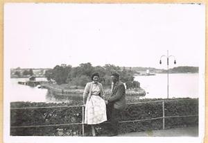 Mor och far i Oskarshamn sommaren 1957 001