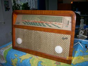 194. Radiola, rörmottagare. Typ: 474 V. Nr: 6791. Tillv.år 1947. Fotonr: 100_1324