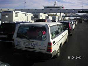 SANY0002. I väntan på att få köra ombord på SF 1500, som avgår 07:20.