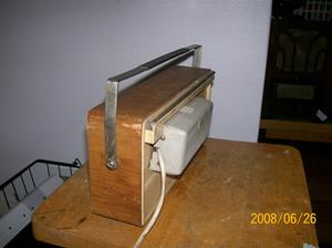 018. Philips transistor. Typ: B2 S 45 T. Nummer: 35149. Den första modellen med tillhörande transf. för 220v, löstagbar. Fotonr: 100_1030 (2)