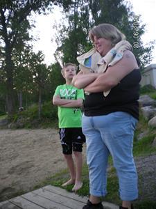 SANY0098. Emil tog ett dopp i sjön vid GEKÅS. 20/6 21:29.