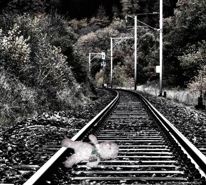 På järnvägen