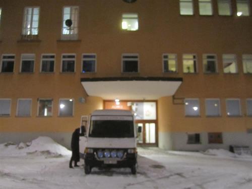 3. Framme vid Medborgarhuset i Alvik