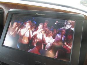 4. DVDn i bussen gick på högvarv...här en konsert med James Last