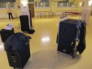 7. Efter en lyckad kväll packade vi våra saker och Gunvor städade lokalen innan vi tackade för oss och for hem.