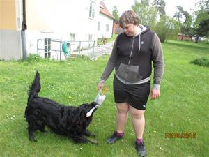 Loke leker mer sin gås, och Emil. IMG_1634