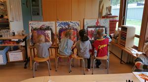 Så kan man också måla i Reggio Emilia inspirerande förskola
