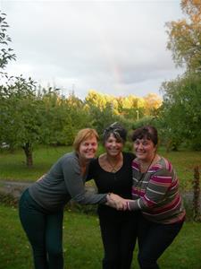 Tre Gracia med regnbåge