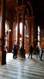 Katrineholms elever tittar i Kejsarens Spa