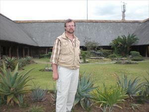 Björn i Skukuza inne i Krugerparken