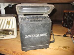 No. 51. BM Volvo Traktorradio med kassettbandspelare. (879). IMG_8642