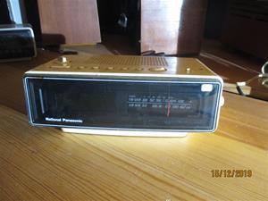 No. 37. National Panasonic Clock Radio RC80 BS. IMG_8622