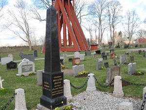 Kråksmåla kyrkogård  april 2012