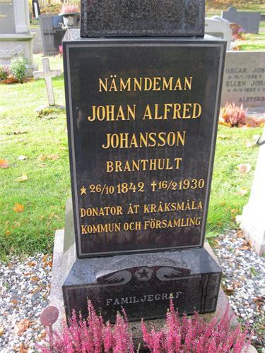 Kråksmåla kyrkogård 21 oktober 2011 012