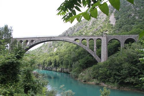 Världens längsta brovalv av sten