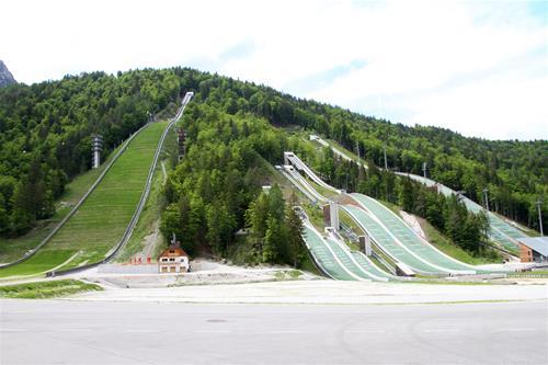 Här har världens längsta hopp på skidor skett