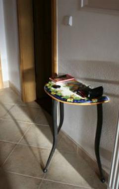 Kovaný stolek a pohovka
