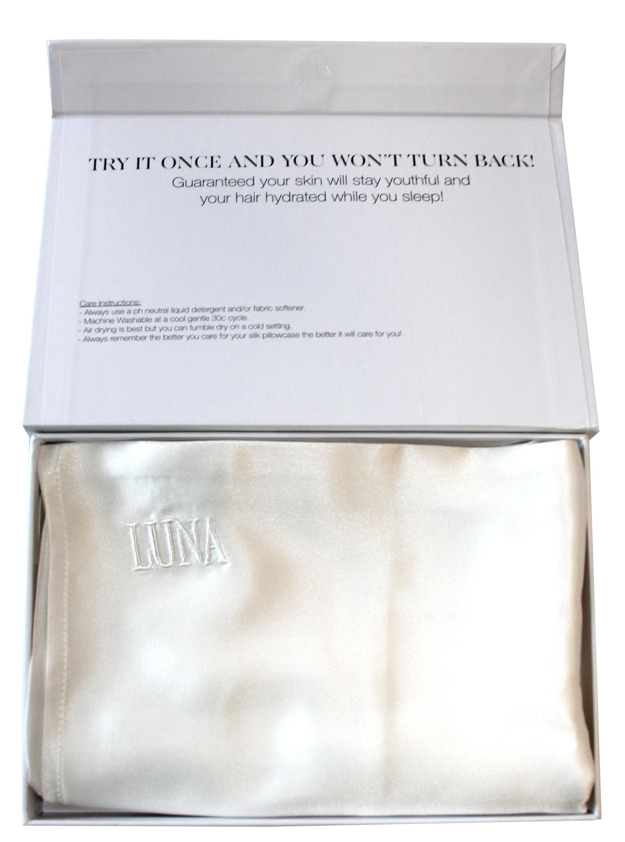 Luna Pure silk pillowcase by Cara Pharmacy